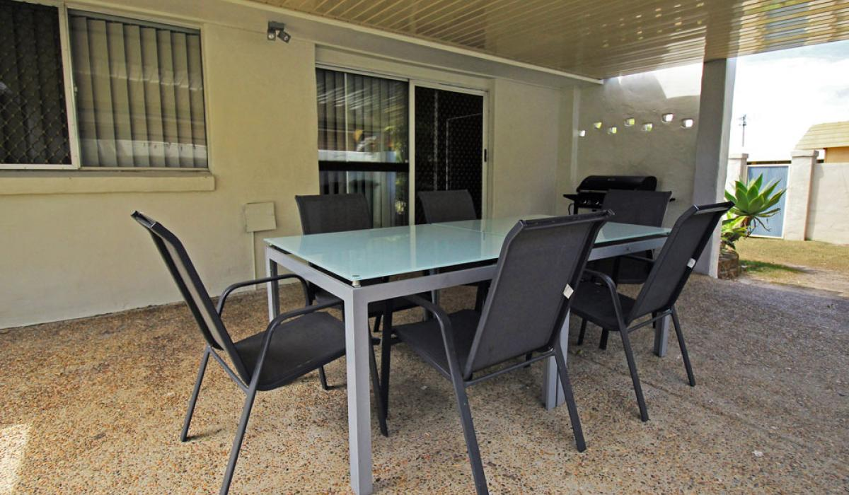 Garden House Alfresco Dining at Nobby Beach Holiday Village