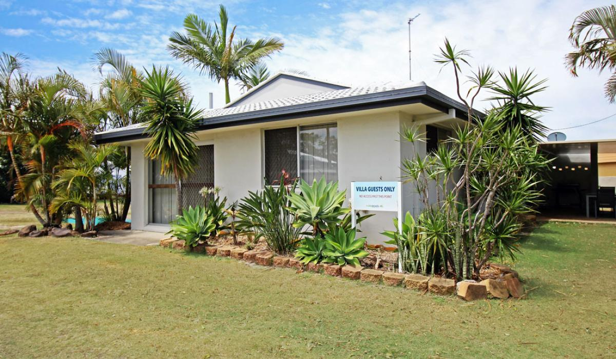 External view of Garden House at Nobby Beach Holiday Village