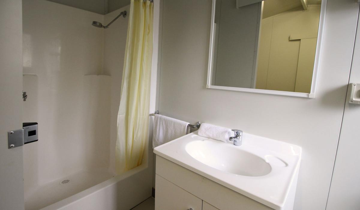 Poolside Villa Bathroom
