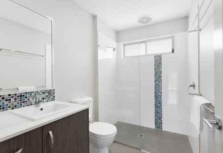 Poolside Penthouse Bathroom